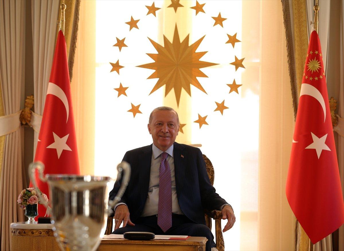 Cumhurbaşkanı Erdoğan, Avrupa şampiyonu voleybolcularımızı kabul etti #8