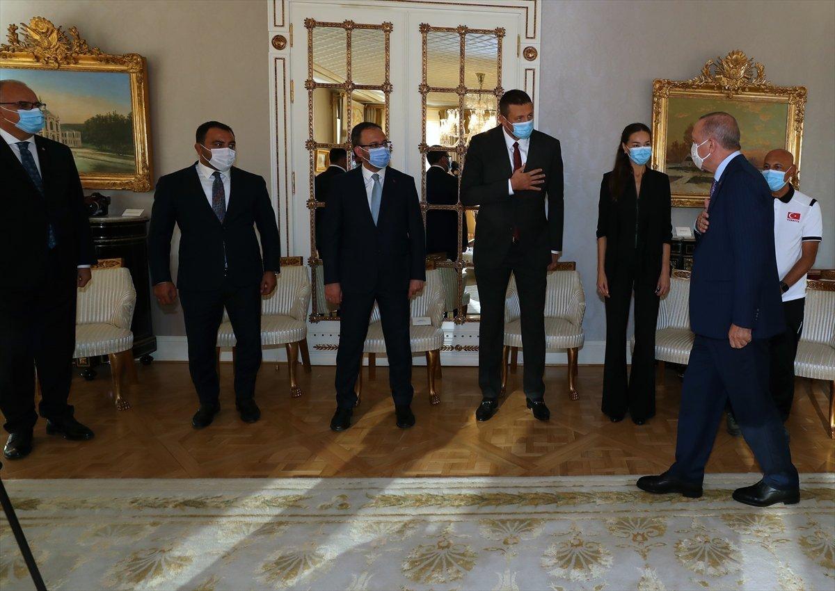 Cumhurbaşkanı Erdoğan, Avrupa şampiyonu voleybolcularımızı kabul etti #2
