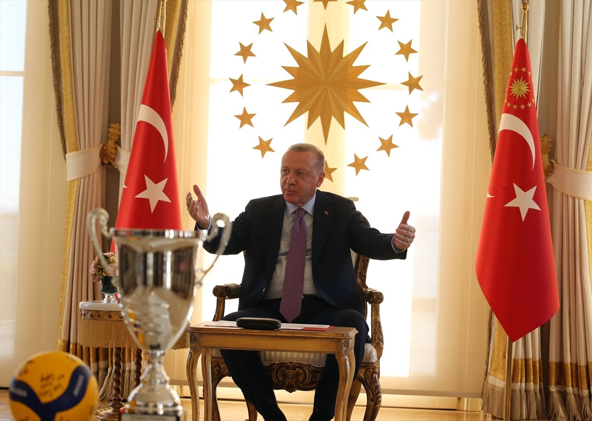 Cumhurbaşkanı Erdoğan, Avrupa şampiyonu voleybolcularımızı kabul etti #7