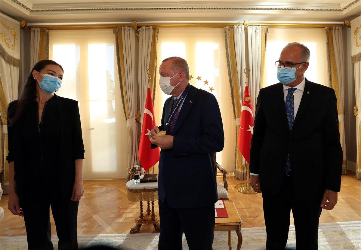 Cumhurbaşkanı Erdoğan, Avrupa şampiyonu voleybolcularımızı kabul etti #10