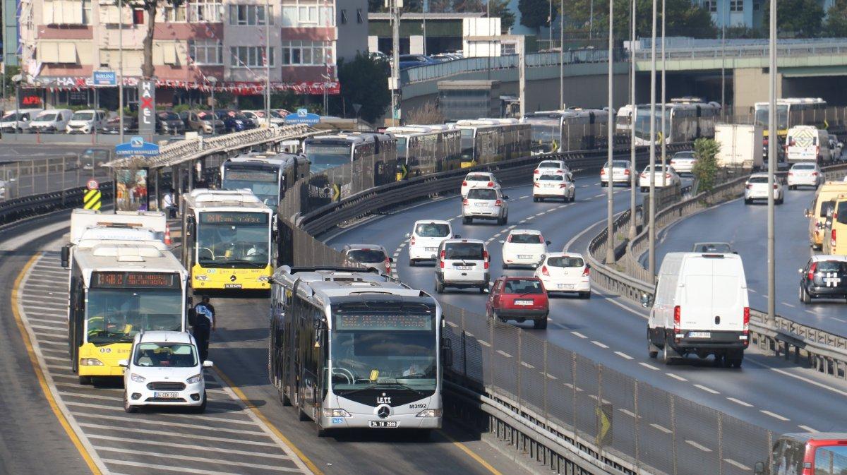 Florya da metrobüs arıza yaptı #3