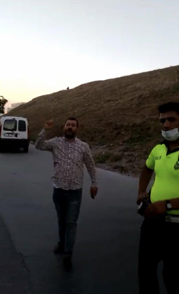 Esenyurt'ta polisi tehdit eden zorba sürücü gözaltına alındı  #2