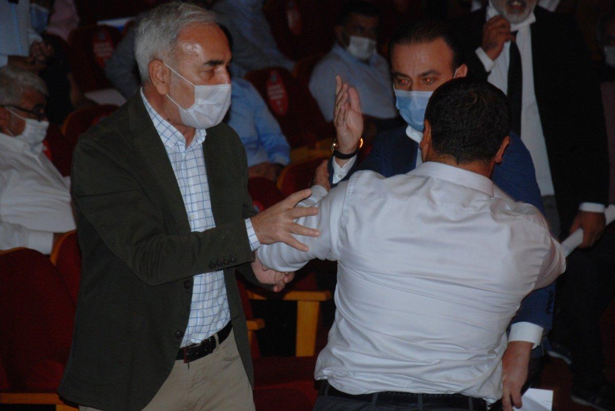 Adana Büyükşehir Belediye Meclisinde kavga çıktı #2