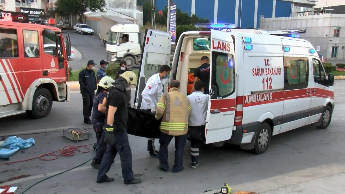 Sancaktepe de kaza yapan sürücü yaşamını yitirdi #4