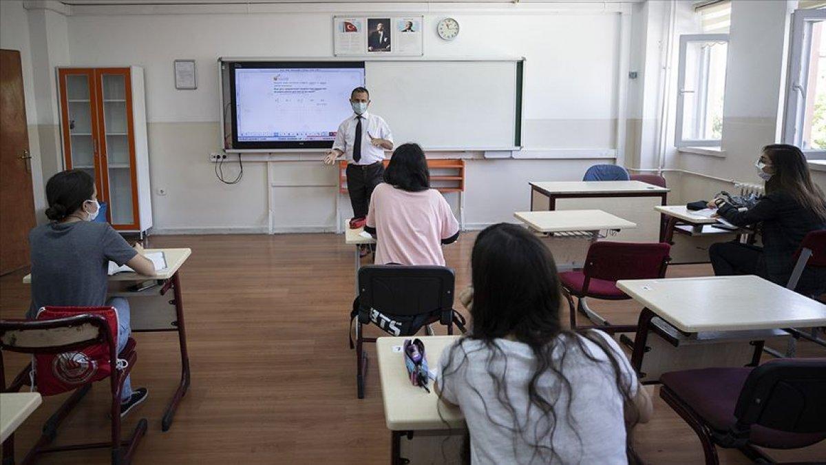 Milli Eğitim Bakanı Ziya Selçuk: Yüz yüze eğitimde uyum sürecine öğretmenler karar verecek #1