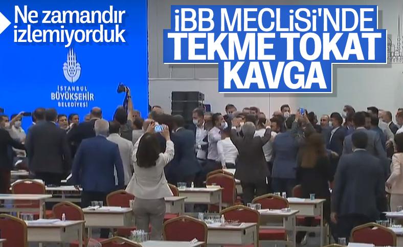 İBB Meclisi'nde tekme tokat kavga çıktı, toplantıya ara verildi