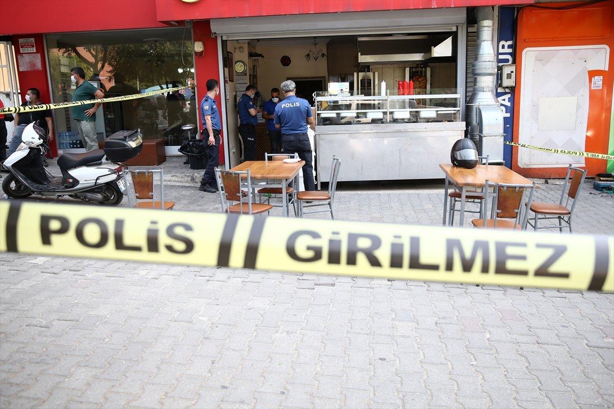 Adana'da tavuk döner yapan kafeyi basıp, 2 kişiyi yaraladılar #4
