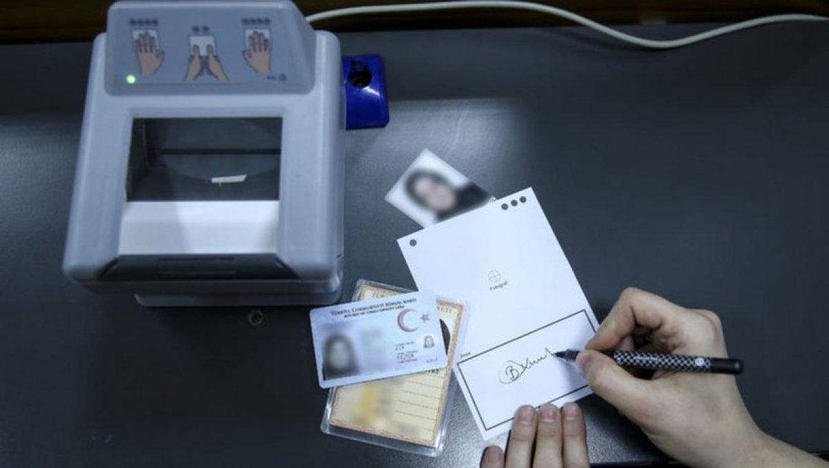 Çipli kimlik kartlarında pazartesiden itibaren yeni dönem başlıyor.
