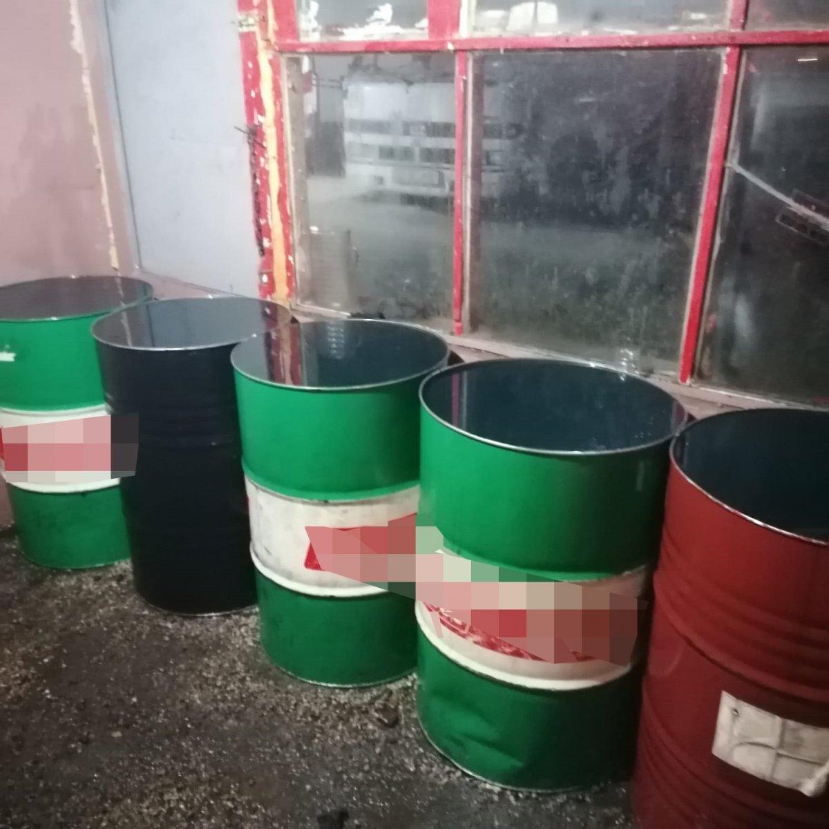 Niğde'deki oto lastik dükkanında 10 ton kaçak akaryakıt ele geçirildi #1