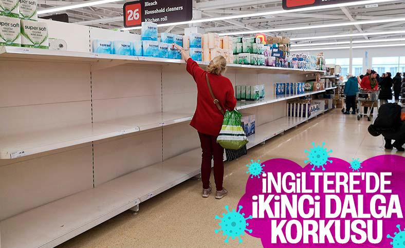 İngiltere'de koronavirüs nedeniyle market rafları boşaltıldı