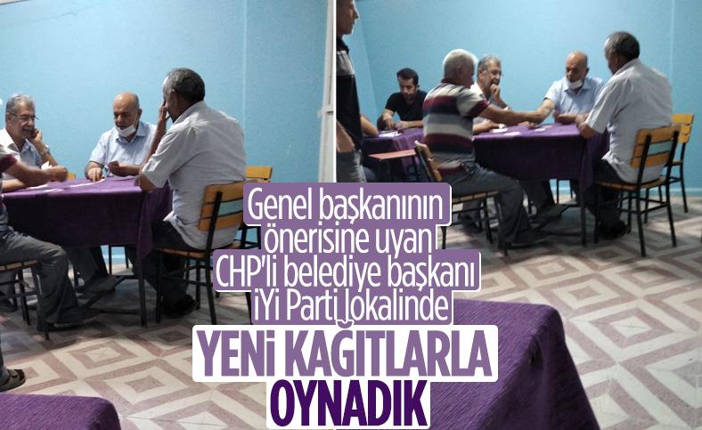 CHP'li Başkan Hüseyin Gemi, kağıt oynarken görüntülendi