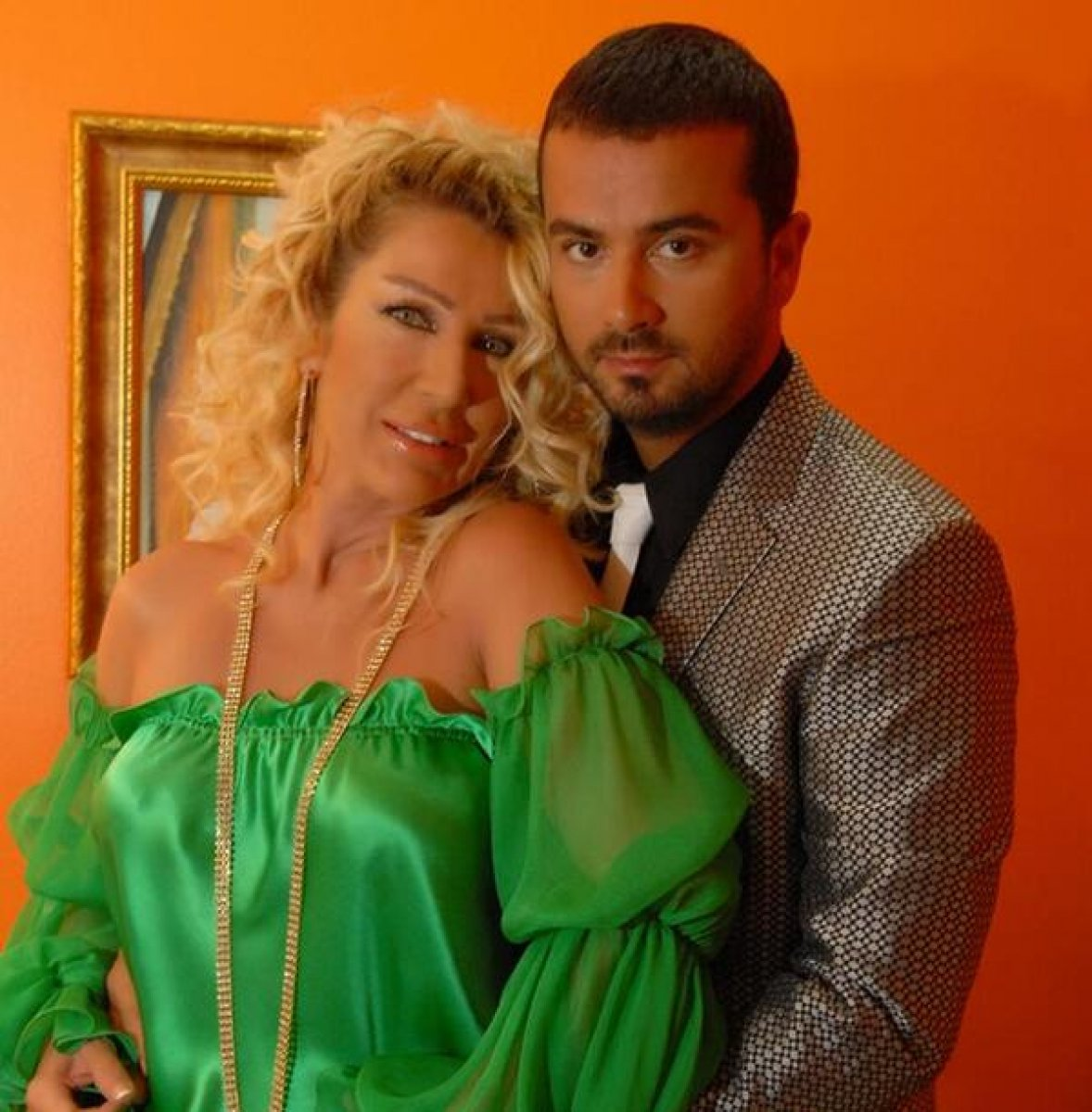 Seda Sayan'ın ardından ilahiyat konserinde tanıştığı Büşra Aköz ile evlenen Onur Şan kimdir?  Onur Şan'ın Hayatı # 1