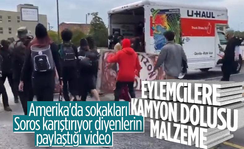 ABD'de eylemcilere nakliye kamyonunda malzeme taşındı