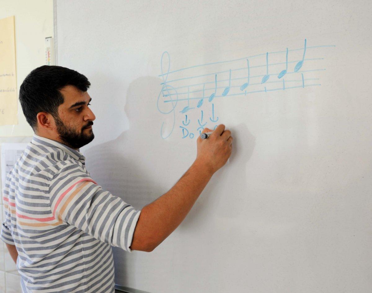 Gaziantep'te genç öğretmenden alkışlanacak hareket