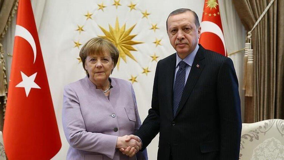 Almanya Başbakanı Angela Merkel: Türkiye ile yapıcı diyalog kurmamız gerekiyor #1