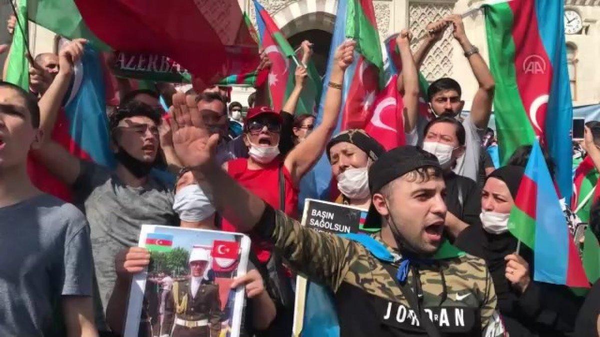 Türkiye deki Azerbaycanlılar dan ülkelerine destek gösterisi #1
