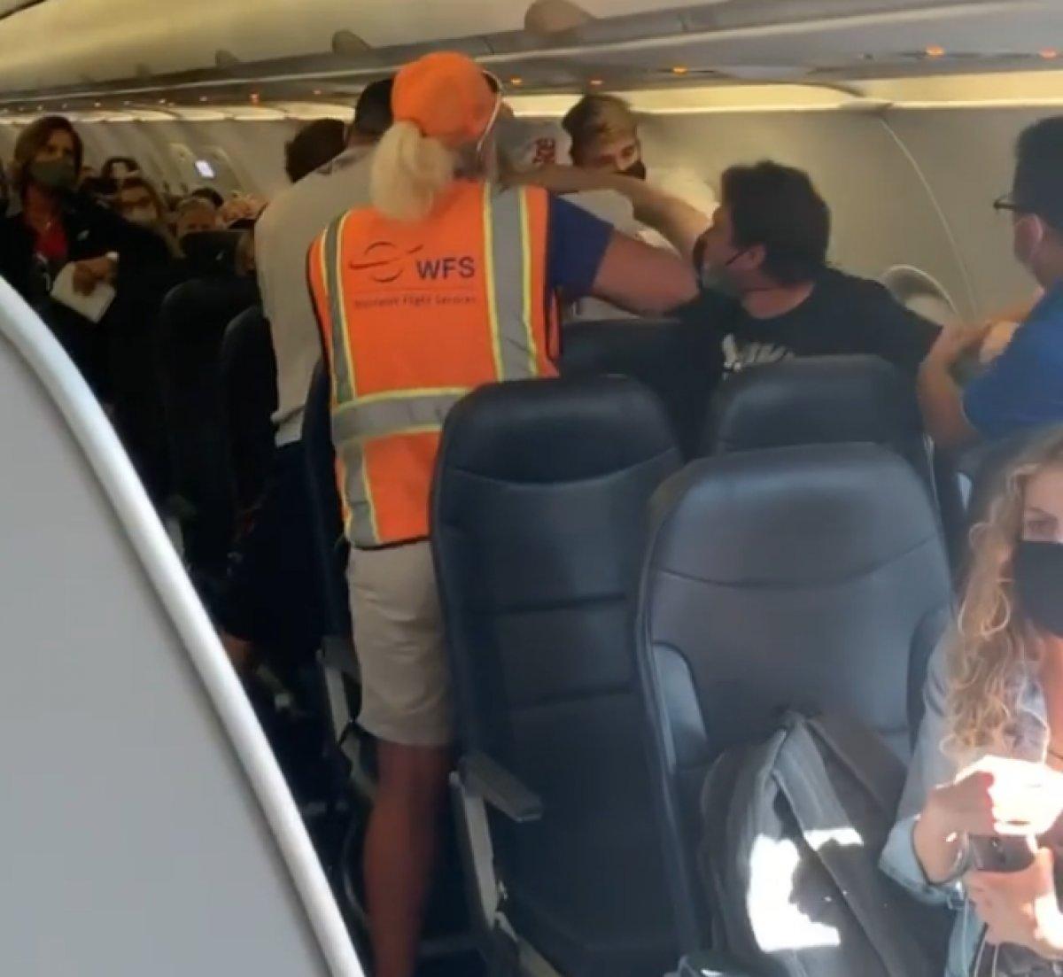 ABD de uçakta maske kavgası #1