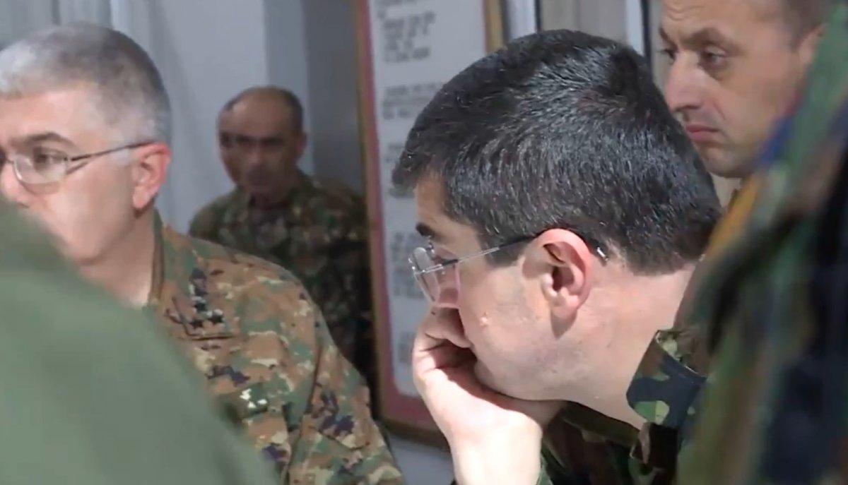 Ermenistan Başbakanı Nikol Paşinyan cephe hattında #2