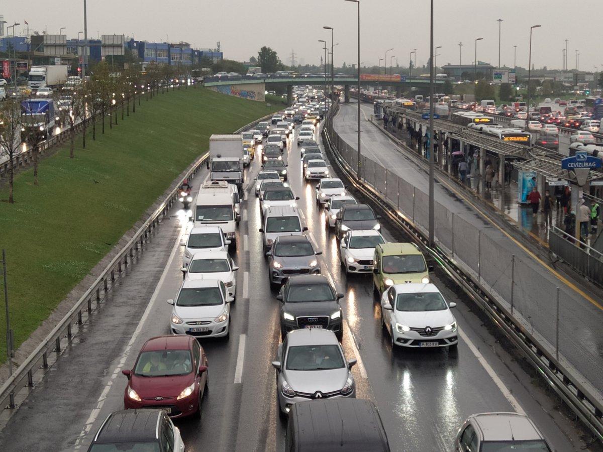 İstanbul'da trafik durma noktasına geldi #2