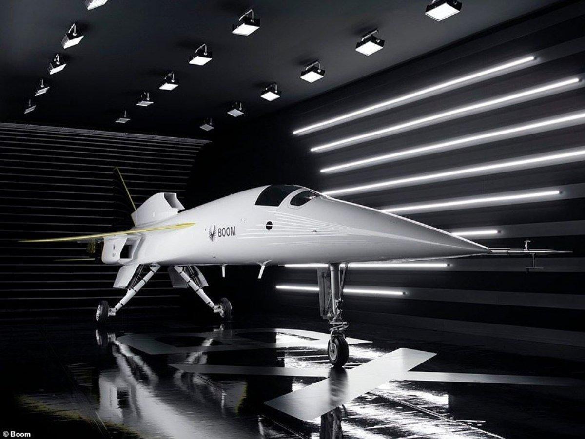 Boom yeni uçağını tanıttı #2