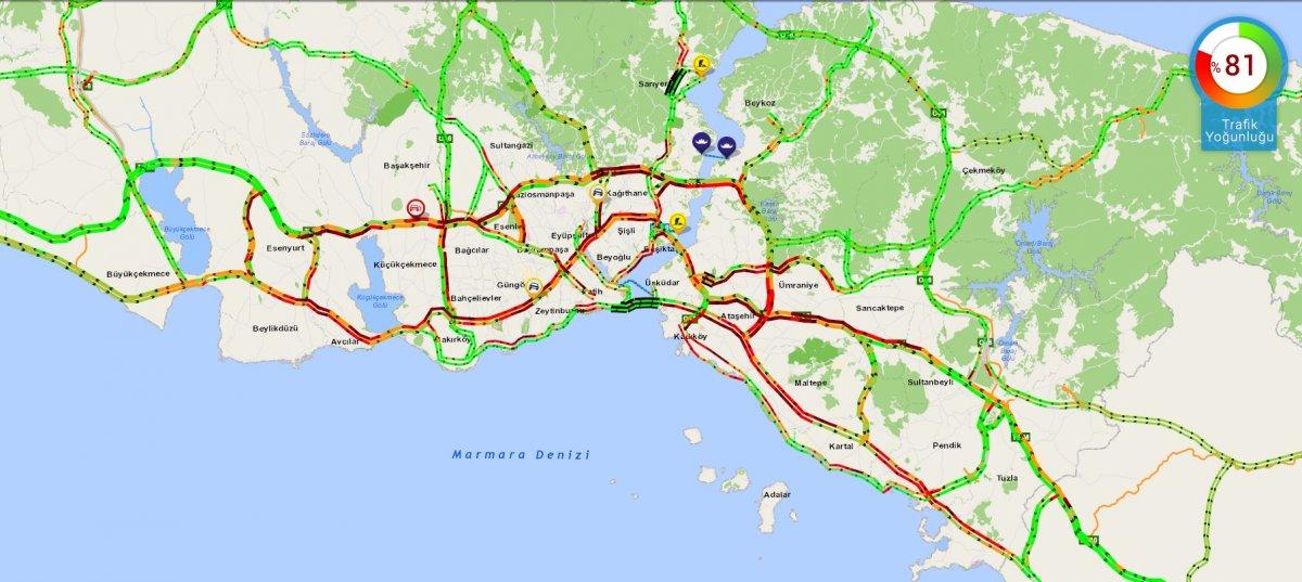İstanbul'da trafik durma noktasına geldi #1