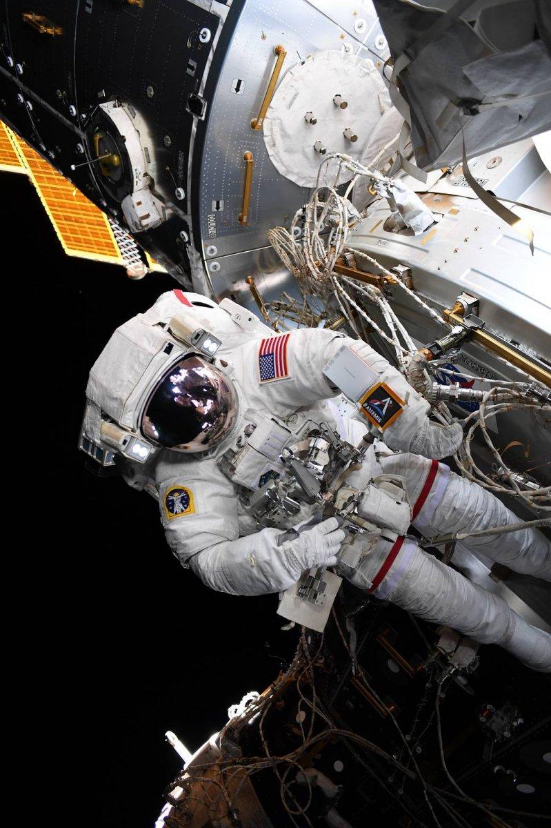 NASA sordu: Aya giderken yanınızda ne götürmelisiniz # 3