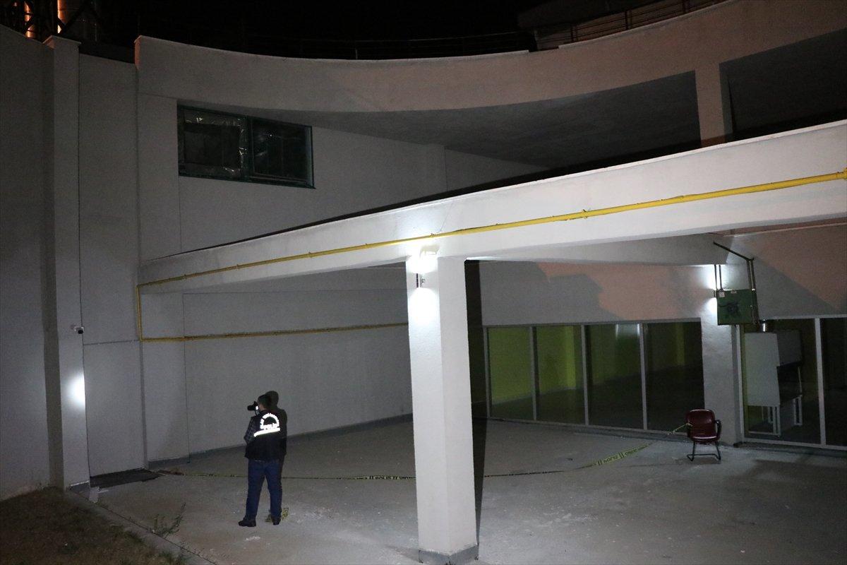 Erzincan da hastaneden kaçmak isteyen virüslü hasta balkondan düştü #1