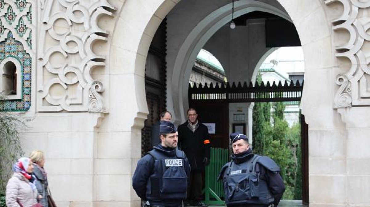 Fransa da yılbaşından bu yana 73 cami kapatıldı #1
