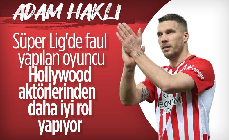 Podolski: Süper Lig'de hakemler çabuk kart gösteriyor