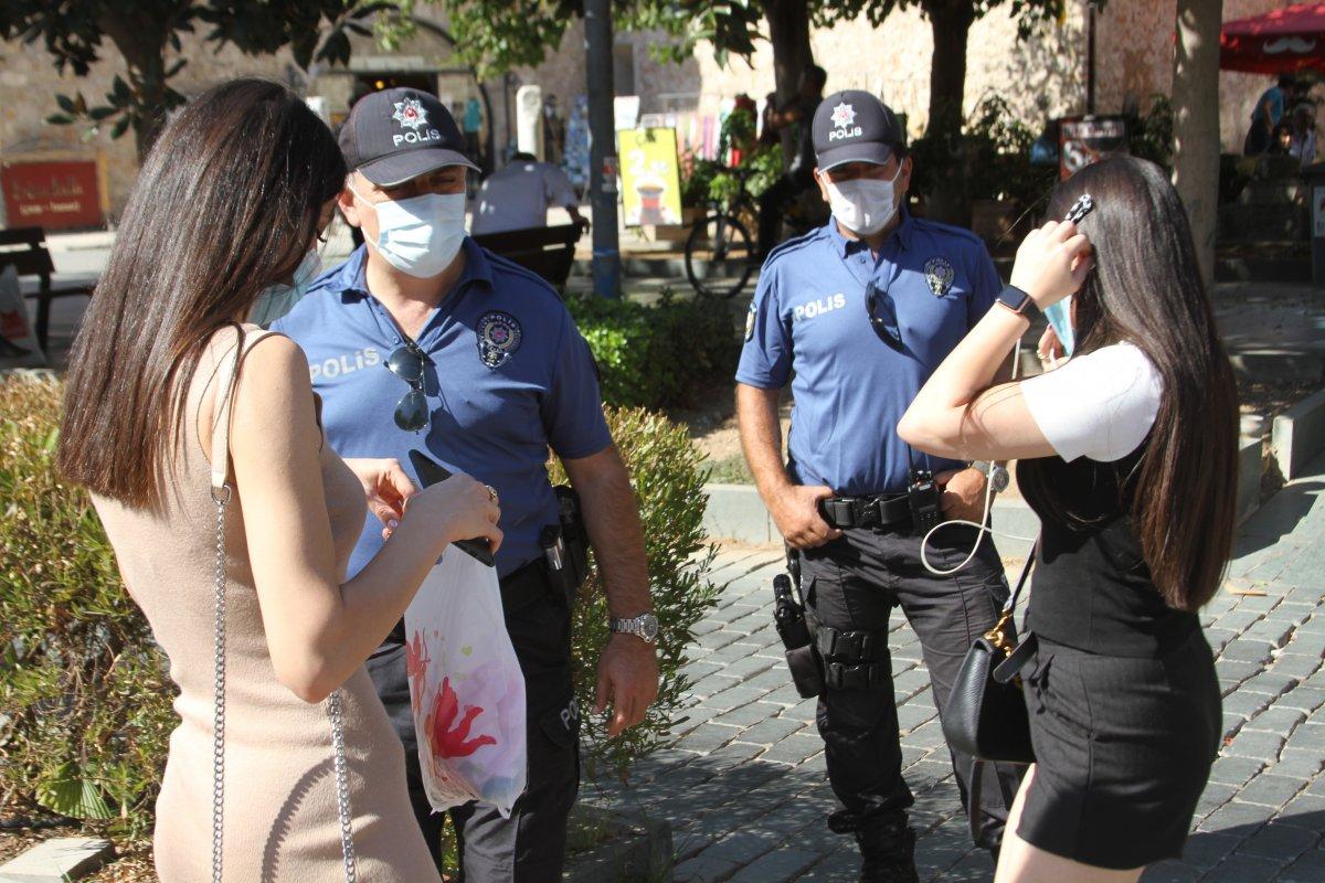 """Maskesini takmayan genç: """"Nefes almak en doğal hakkımız ve ben bu haktan mahrum kalmak istemiyorum"""""""