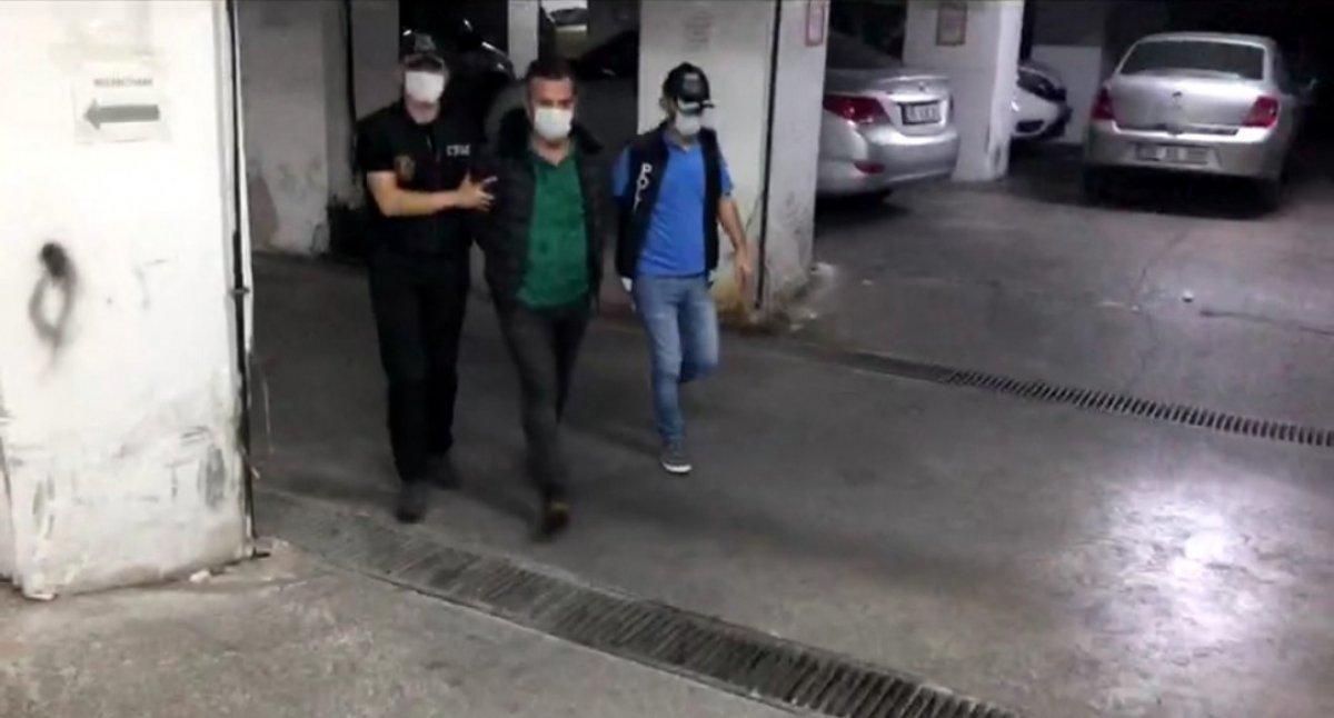 İzmir merkezli FETÖ operasyonunda 29 tutuklama #1