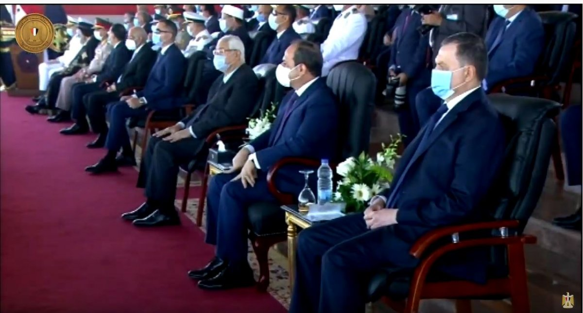 Mısır da güvenlik güçlerinin gülümseten  güç gösterisi  #3