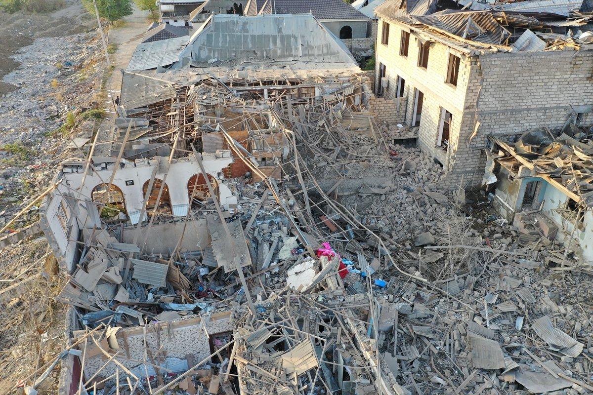 Gence de füze saldırısının ardından ortaya çıkan görüntüler #5