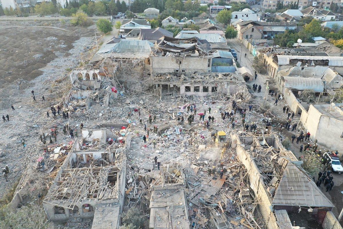 Gence de füze saldırısının ardından ortaya çıkan görüntüler #11