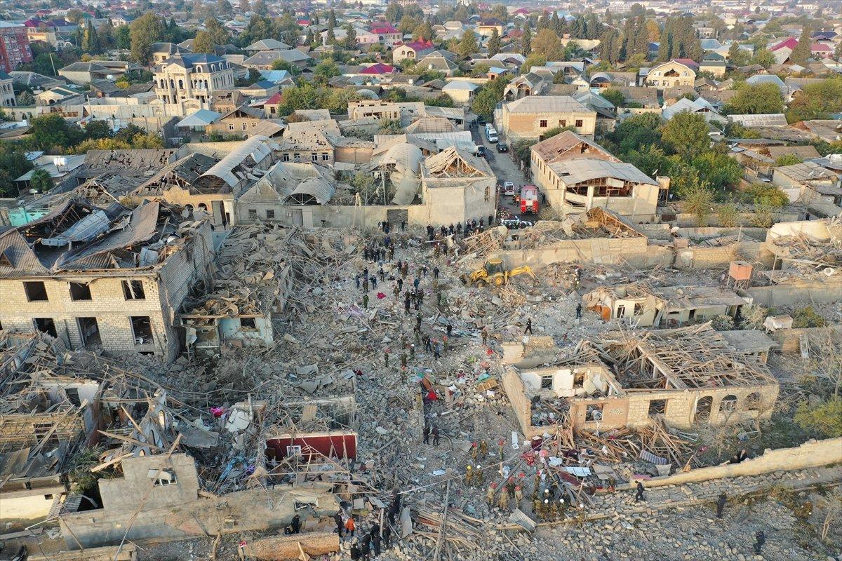 Gence de füze saldırısının ardından ortaya çıkan görüntüler #8