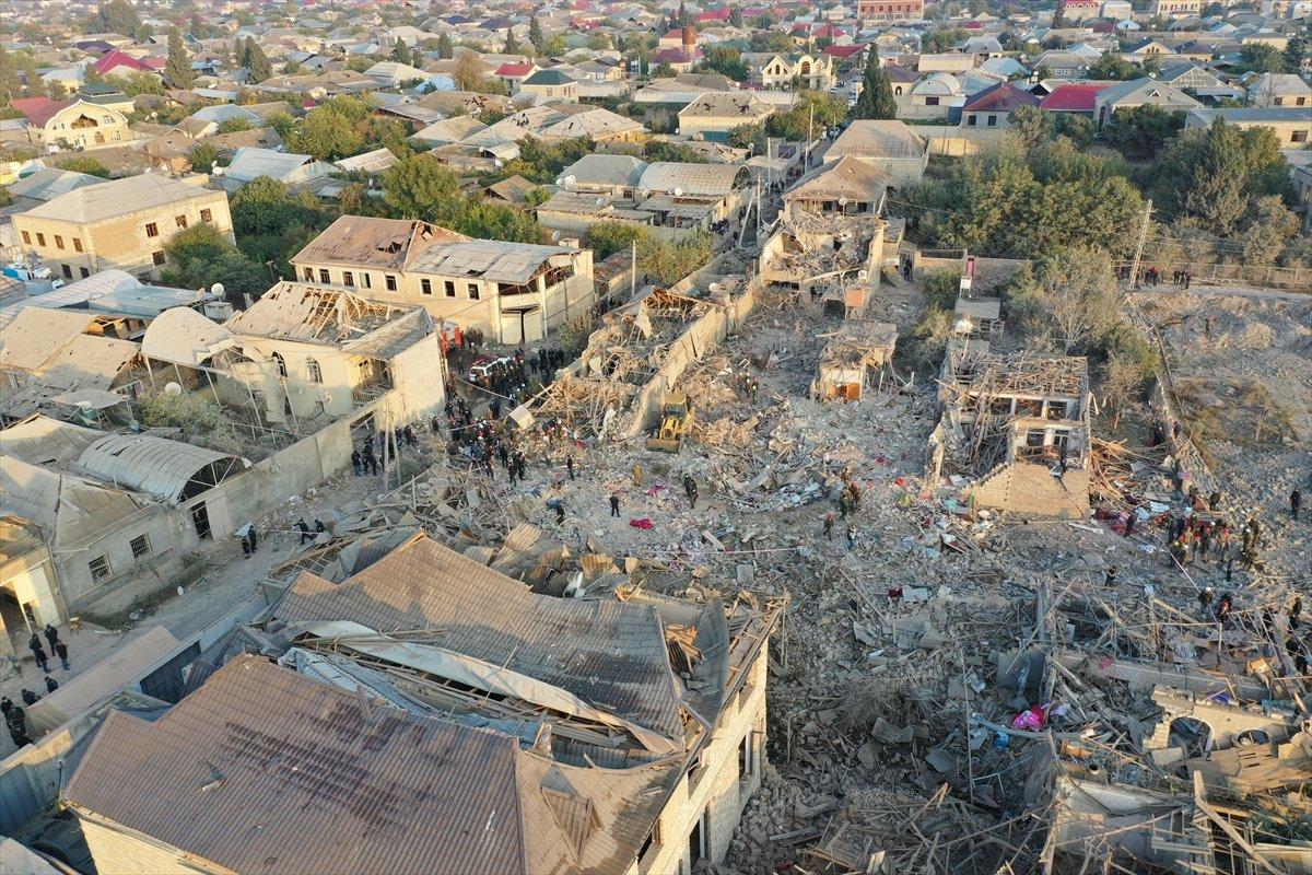 Gence de füze saldırısının ardından ortaya çıkan görüntüler #6