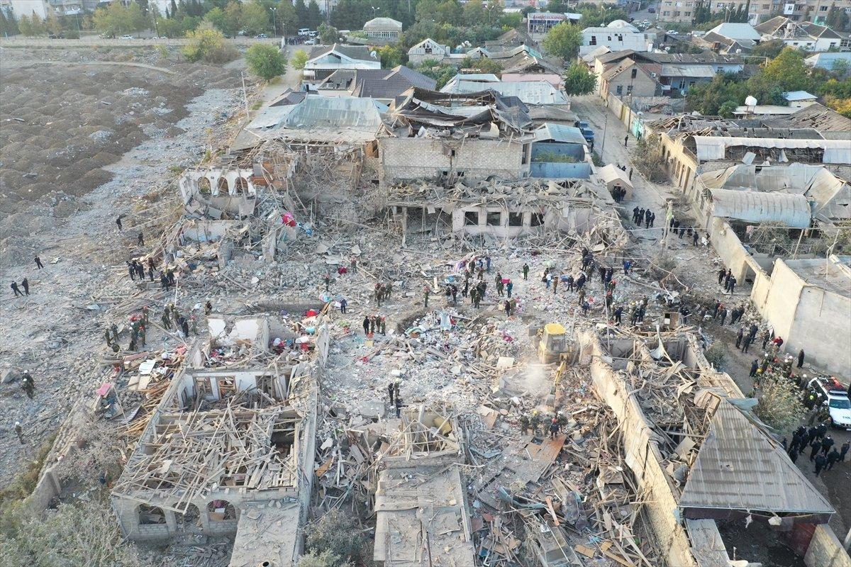 Gence de füze saldırısının ardından ortaya çıkan görüntüler #9