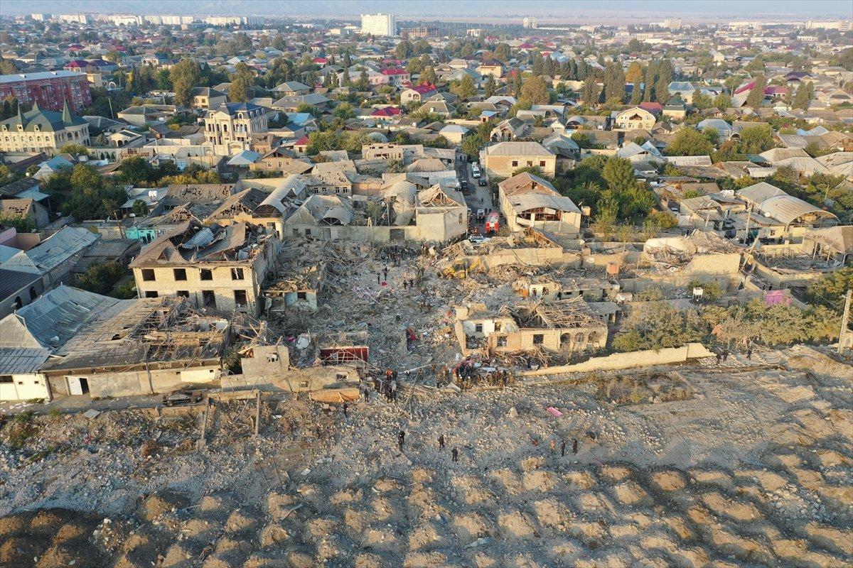 Gence de füze saldırısının ardından ortaya çıkan görüntüler #4