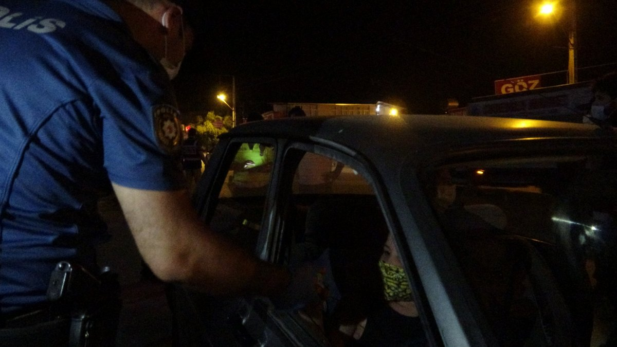 Adana da polis ekipleri Huzur ve Güven uygulaması gerçekleştirdi #1
