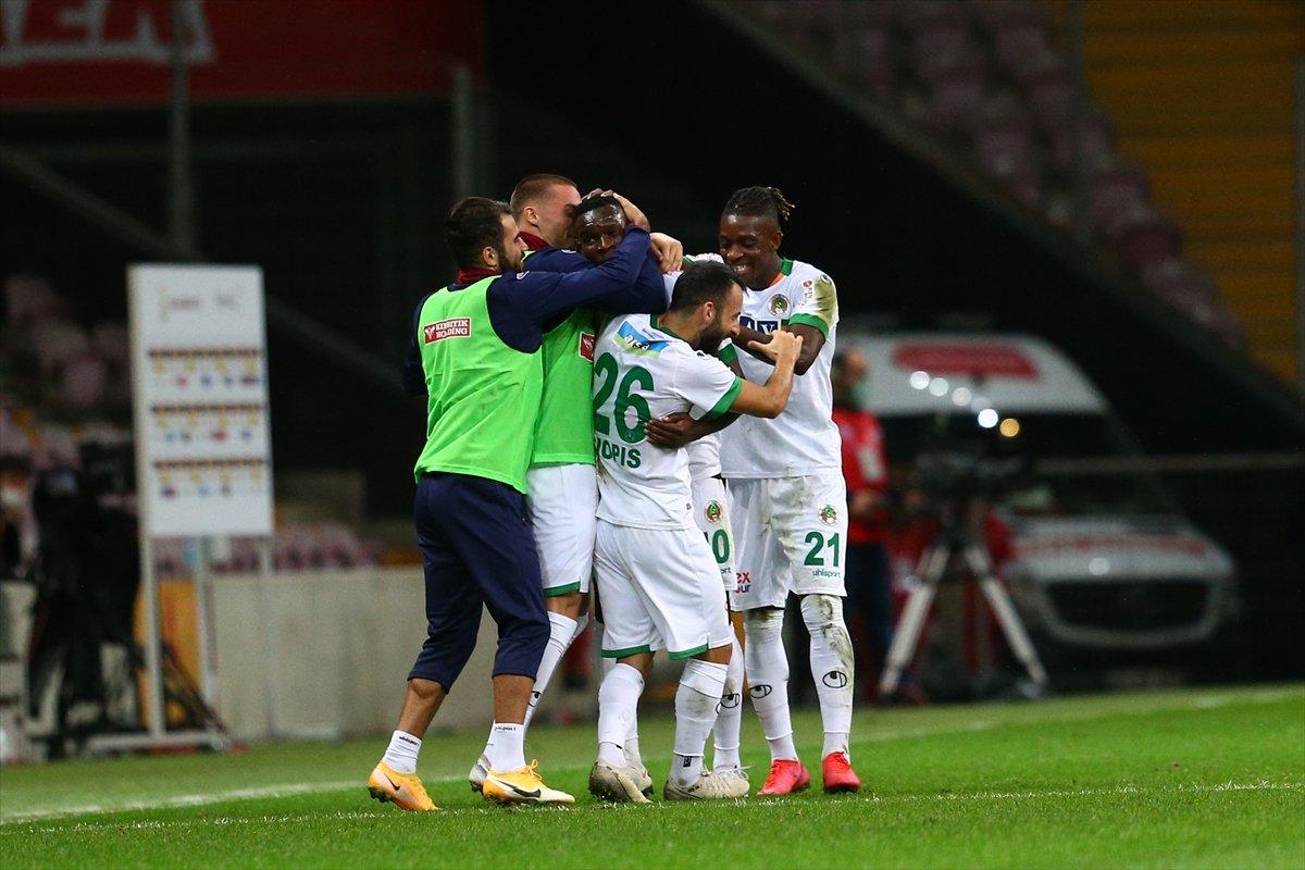 Galatasaray son dakikalarda yıkıldı #4