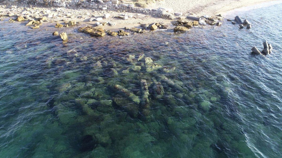 Çanakkale'deki 2 bin yıllık granit sütunlar ilgi görüyor #2