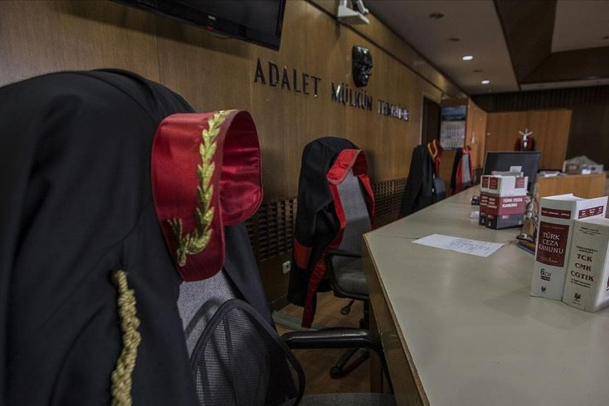 Hakim ve Savcılar Genel Kurulu, FETÖ bağlantılı 11 hakim ve savcıyı ihraç etti  #1