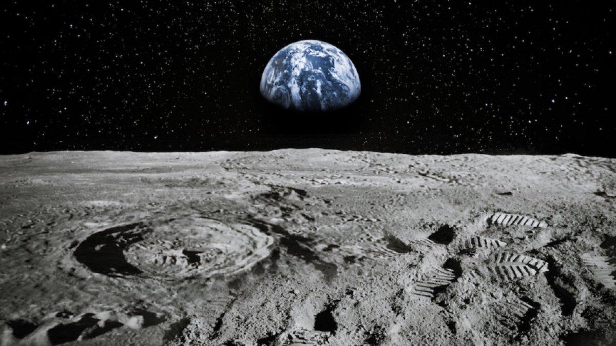NASA, Ay ın aydınlık yüzünde su bulduğunu açıkladı #1