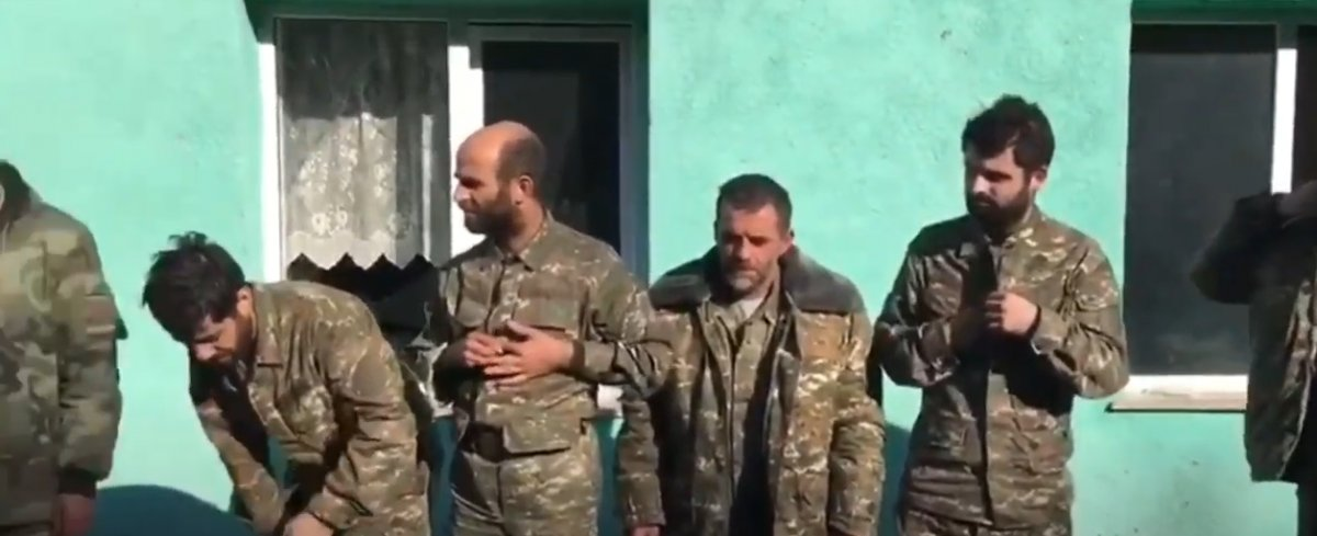 Azerbaycan ordusu esir alınan Ermeni askerlere  Karabağ Azerbaycan  dedirtti #2