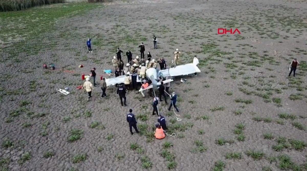 Büyükçekmece de eğitim uçağı düştü #7