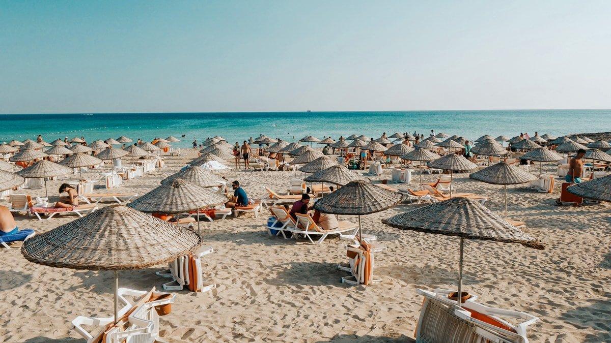 Dünya Tabipler Birliği: 2021 yılında da normal bir yaz tatili yapamayacağız #1