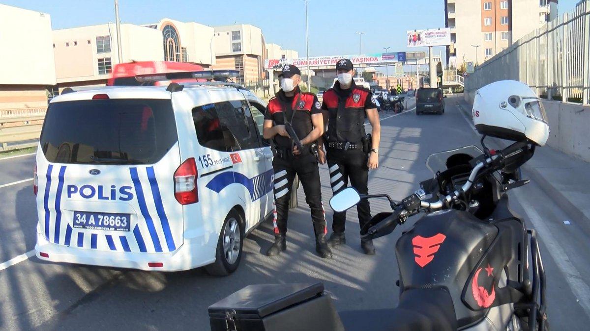 Esenler'de polisten kaçan şüpheli 5 metre yüksekten atladı #2