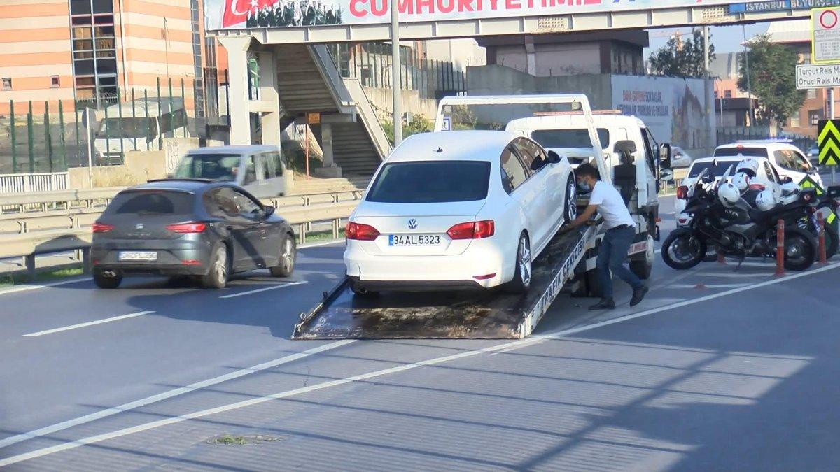 Esenler'de polisten kaçan şüpheli 5 metre yüksekten atladı #1
