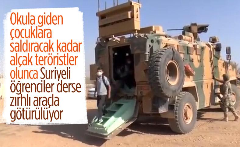 Mehmetçik, Resulayn'da çocukları okullarına zırhlı araçlarla taşıyor
