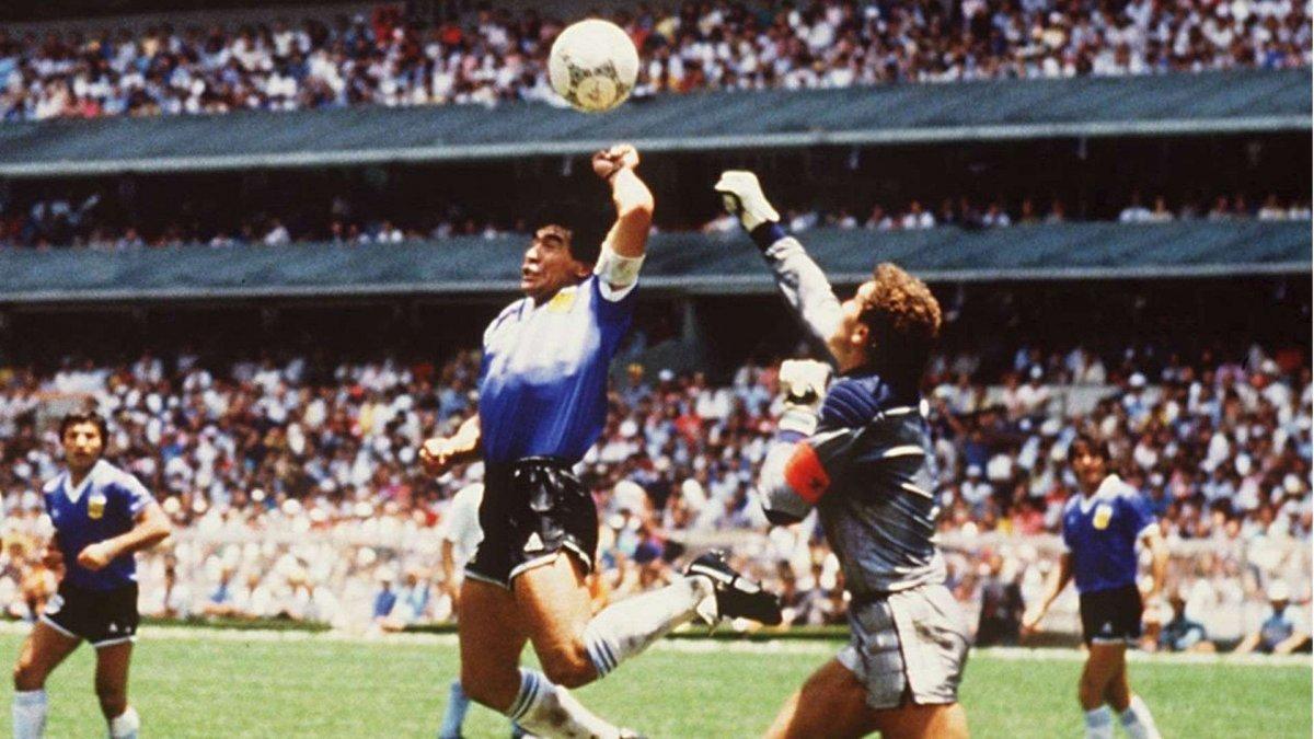 Maradona: İngiltere ye bir de sağ elimle gol atmak isterdim #1